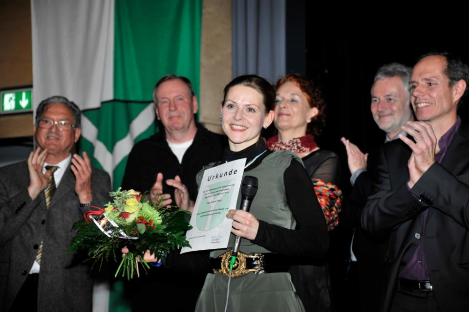 Sabine Klaus receives award